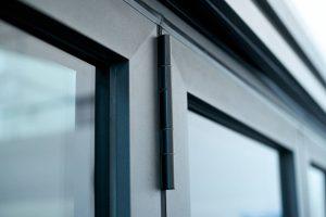 baie vitrée avec profilés en aluminium